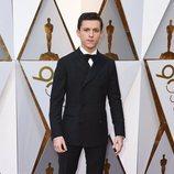 Tom Holland posa en la alfombra roja de los Oscar 2018