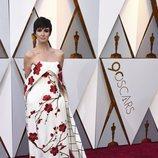 Paz Vega posa en la alfombra roja de los Oscar 2018