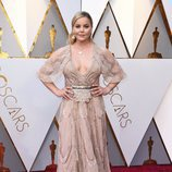 Abbie Cornish posa en la alfombra roja de los Oscar 2018