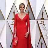 Allison Janney posa en la alfombra roja de los Oscar 2018