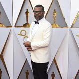 Jordan Peele posa en la alfombra roja de los Oscar 2018