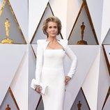 Jane Fonda posa en la alfombra roja de los Oscar 2018