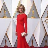 Christine Lahti posa en la alfombra roja de los Oscar 2018