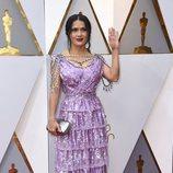Salma Hayek posa en la alfombra roja de los Oscar 2018