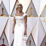Mary J. Blige posa en la alfombra roja de los Oscar 2018