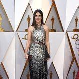 Sandra Bullock posa en la alfombra roja de los Oscar 2018