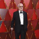 James Ivory posa en la alfombra roja de los Oscar 2018