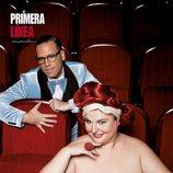 Teté Delgado posa desnuda y sugerente en la butaca de un teatro, con Torito para Primera Línea