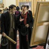 Picasso y Max Jacob miran un cuadro en 'Genius'