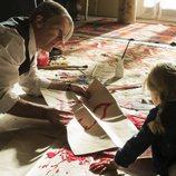 Picasso enseña a pintar a su hija en 'Genius'