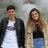 Alfred y Amaia sonrientes en las Azores durante la grabación de la postal eurovisiva