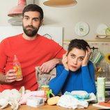 Posado de Jon Plazaola y María León para la cuarta temporada de 'Allí abajo'
