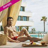 Octavi Pujades, posa semidesnudo en bañador para la revista Shangay