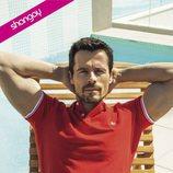 El actor Octavi Pujades posa sexy en bañador para la revista Shangay