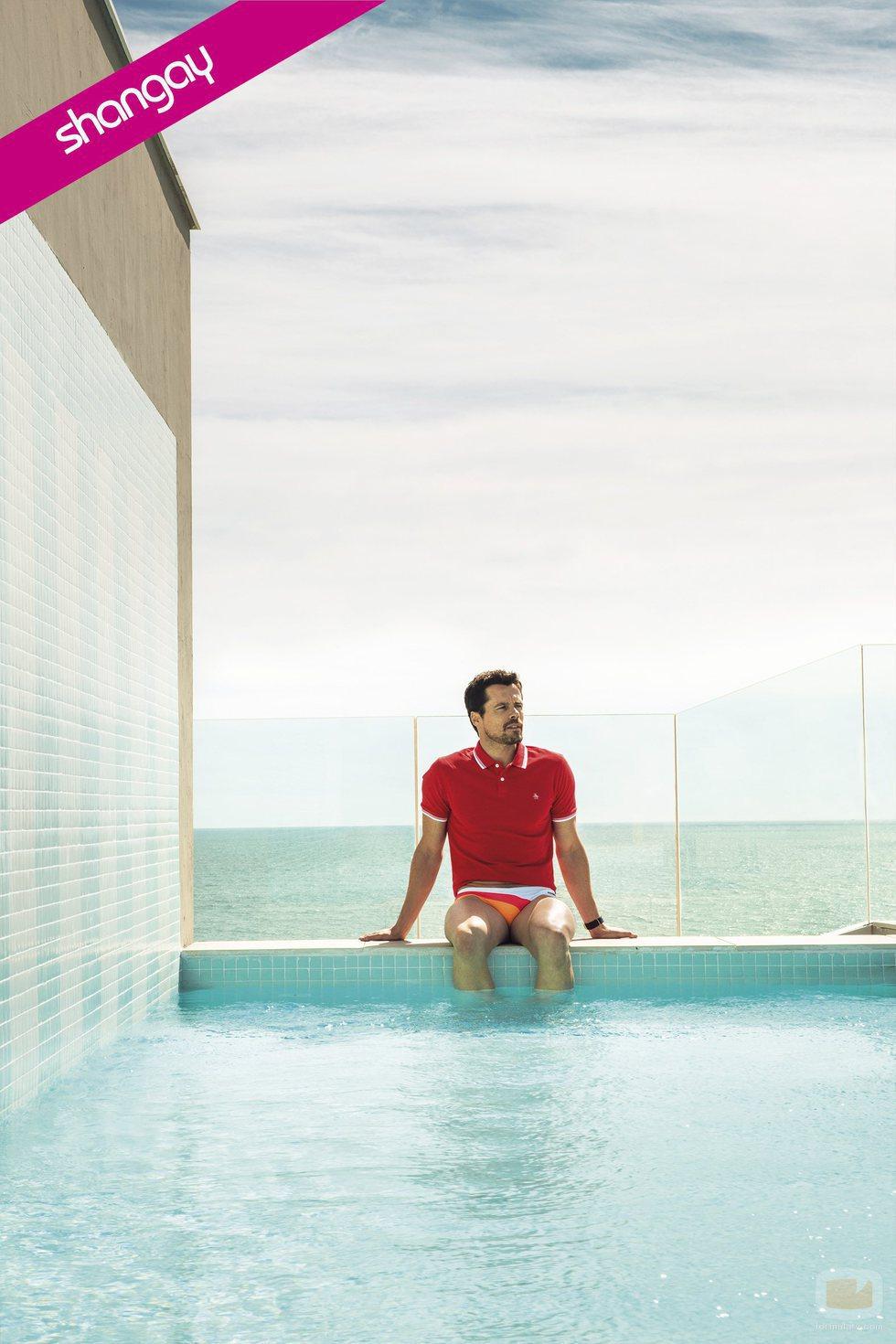 Octavi Pujades posa con un bañador ajustado para la revista Shangay