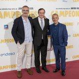Javier Fesser, Eladio Jareño y Javier Guitérrez en la premiere de