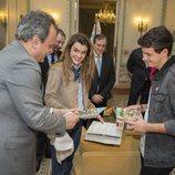 Alfred y Amaia junto al embajador de Portugal, Francisco Ribeiro de Menezes