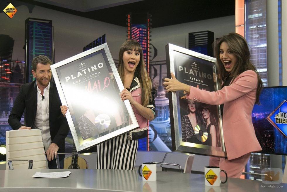 Aitana y Ana Guerra reciben el Disco de Platino en 'El hormiguero'