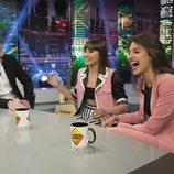 Aitana y Ana Guerra muy sonrientes durante su entrevista en 'El hormiguero' con Pablo Motos