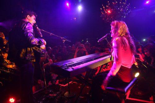 Alfred y Amaia se miran mientras cantan en la London Eurovision Party 2018