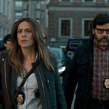 Itziar Ituño y Fernando Soto en el 1x01 de 'La Casa de Papel'