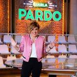 La periodista Cristina Pardo posa en el plató de 'Liarla Pardo'