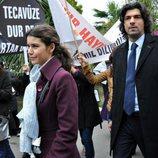 Fatmagül recibe el apoyo de las mujeres turcas en la segunda temporada de 'Fatmagül'
