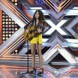 Daniela deslumbra en su actuación en el estreno de 'Factor X'