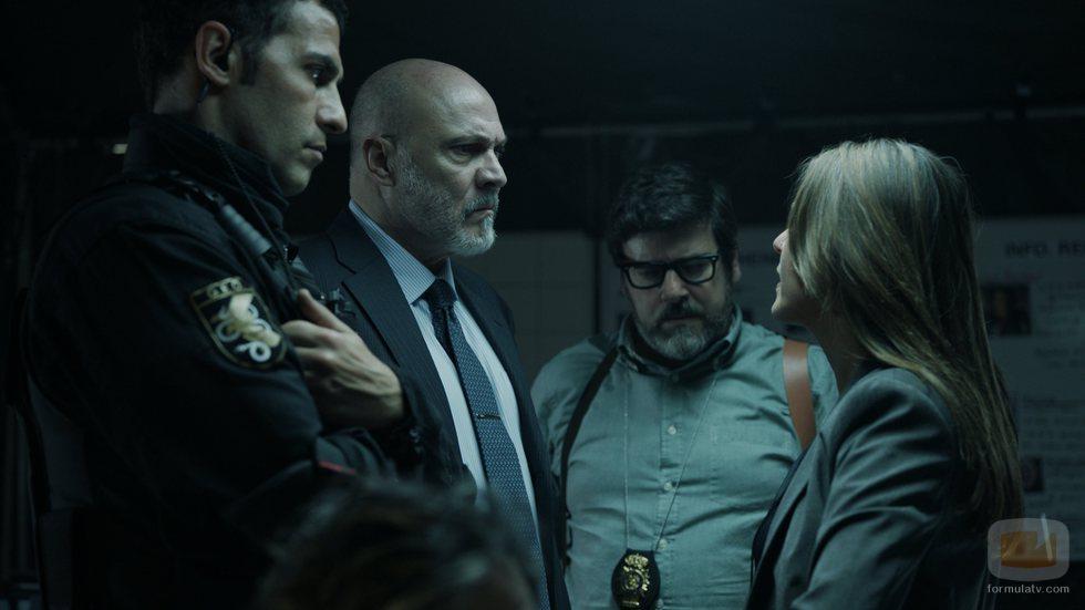Murillo trata de dar con alguna pista sobre los atracadores en el 1x05 de 'La Casa de Papel'