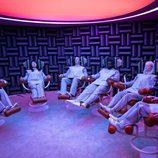 Los pacientes del centro psiquiátrico de 'Maniac' se someten a una sesión