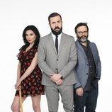 Marta Flich, Antonio Castelo y Edu Galán posan para la tercera entrega de 'CCN: Comedy Central News'