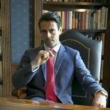 Emmanuel Esparza es Alberto Guzmán en 'Secretos de Estado'