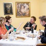 Alba Carrillo, Antonia Dell'Atte, Fortu y Óscar Martínez en la segunda edición de 'Ven a cenar conmigo: Gourmet Edition'