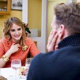 Alba Carrillo y Óscar Martínez, en 'Ven a cenar conmigo: Gourmet Edition'