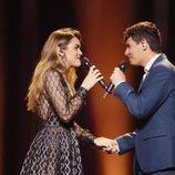 Amaia y Alfred de la mano en el segundo ensayo en el escenario de Eurovisión 2018