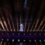 Amaia y Alfred, acompañados por los focos del Altice Arena durante el segundo ensayo de Eurovisión 2018