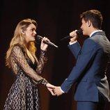 Alfred y Amaia se agarran de la mano durante el segundo ensayo de Eurovisión 2018