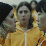 Maca se enfrenta a Akame y Mercedes mira en el 3x02 de 'Vis a vis'