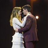 Amaia y Alfred bailan juntos en el tercer ensayo sobre el escenario de Eurovisión 2018