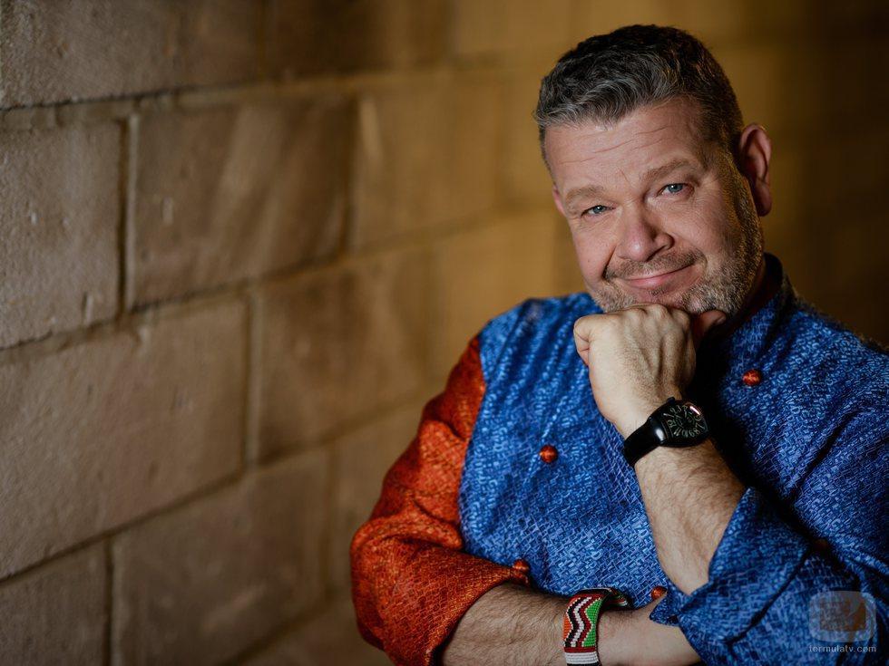 Alberto Chicote posa en la promoción de la sexta temporada de 'Pesadilla en la cocina'
