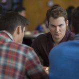 Bryce en el comedor del instituto durante la segunda temporada de 'Por 13 razones'