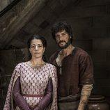 Daniel Grao y Nora Navas en 'La catedral del mar'