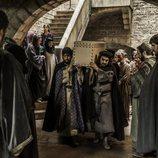 Muerte del hijo de la familia Puig, en el primer capítulo de 'La catedral del mar'
