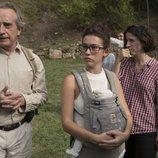 Gonzalo de Castro y Greta Fernández junto Mar Coll, directora y creadora de 'Matar al padre'