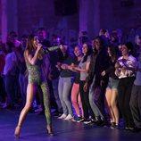 """Eleni Foureira cantando """"Fuego"""" junto al público de 'Fama a bailar'"""