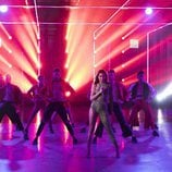 Eleni Foureira, representante de Chipre en Eurovisión 2018,  junto a los bailarines de 'Fama a bailar'