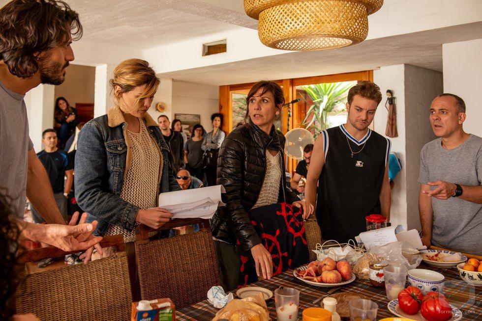 Malena Alterio, Javier Gutiérrez, Marta Nieto y Vito Sanz en el rodaje de la segunda temporada de 'Vergüenza'