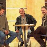 El ganador de 'Supervivientes 2001', Freddy, y el finalista Amate con Paco Lobatón