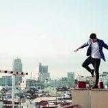 Cepeda en una foto promocional de su single