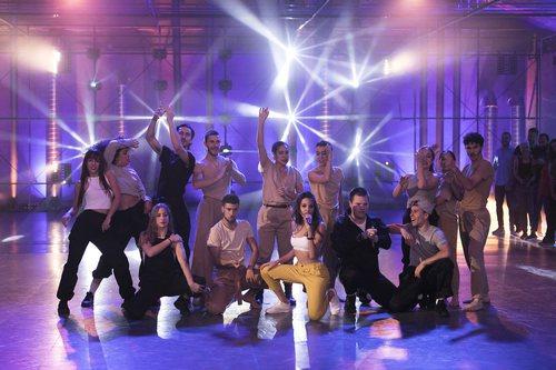 Ana Guerra y los concursantes de 'Fama a bailar' durante la final